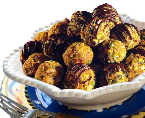 Halawa El Rashidi El Mizan balls with pistachio and chocolate